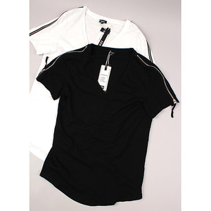 [NO.44] DEEP V-neck T