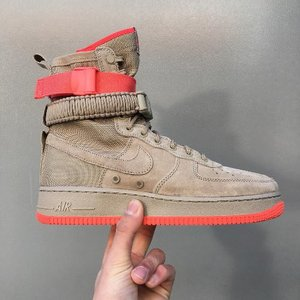 [NIKE] SF-AF1 AIR FORCE1 HIGH (KHAKI AND RUSH CORAL)