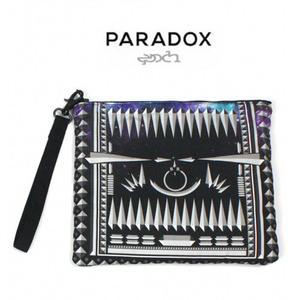 [PARADOX]GRAPHIC CLUTCH BAG (DARK STUDS) 파라독스 클러치백